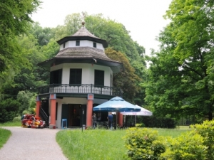 Domek Chiński w parku w Żywcu