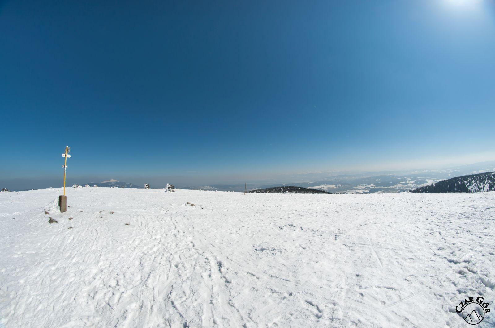 Panorama z Pilska. W stronę Babiej Góry i Tatr