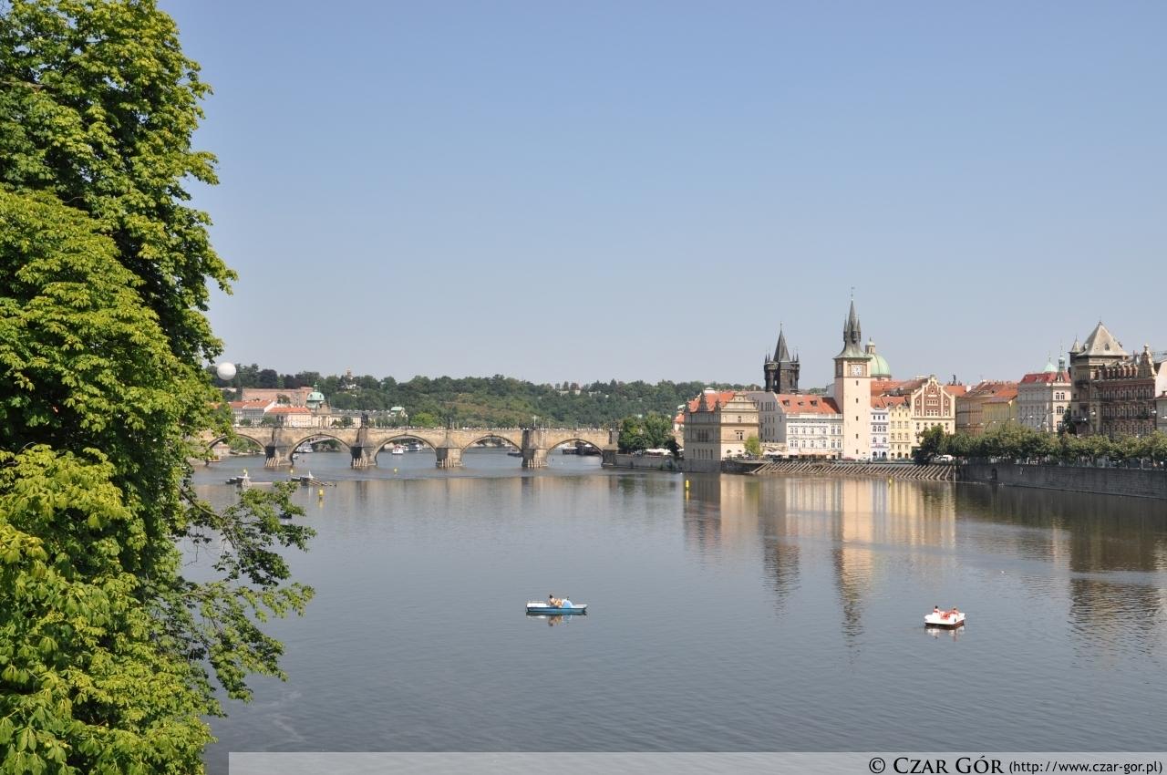 W stronę Mostu Karola