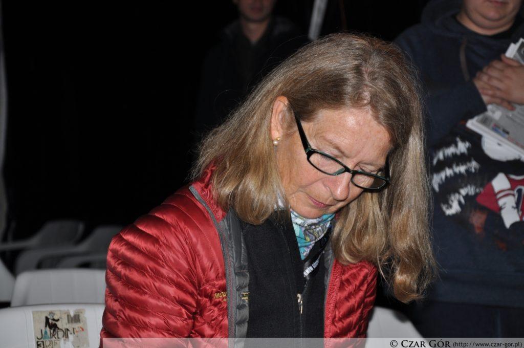 Bernadette McDonald podpisująca książkę 'Ucieczka na szczyt'