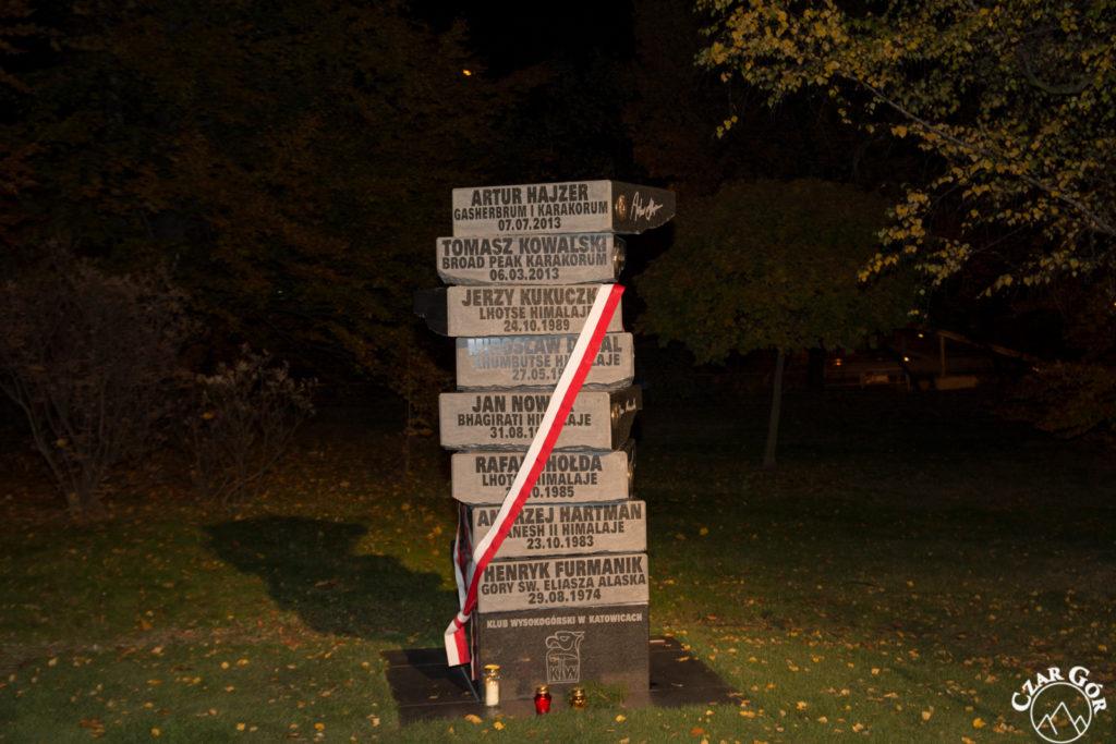 Pomnik 'Alpinistów Klubu Wysokogórskiego w Katowicach, którzy w górach zostali na zawsze'