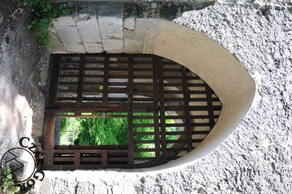 Brama wjazdowa do zamku w Ojcowie