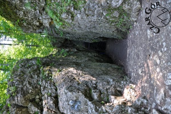 Wejście do Groty Łokietka