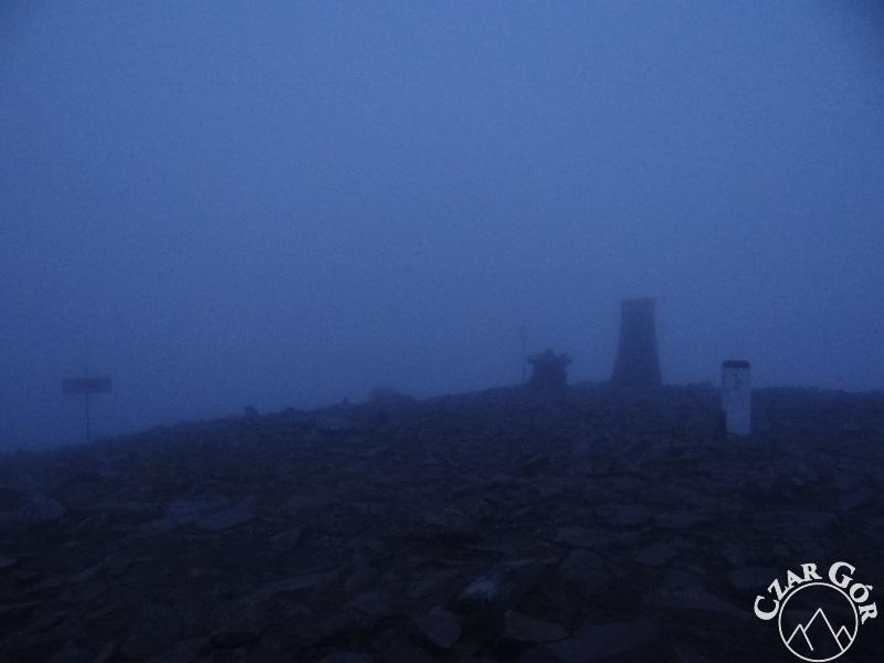Na szczycie Babiej Góry. 4 nad ranem...