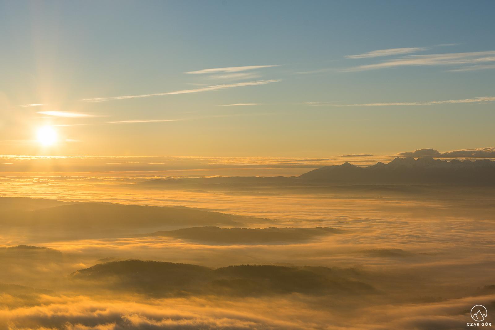 Wschód słońca z Babiej Góry