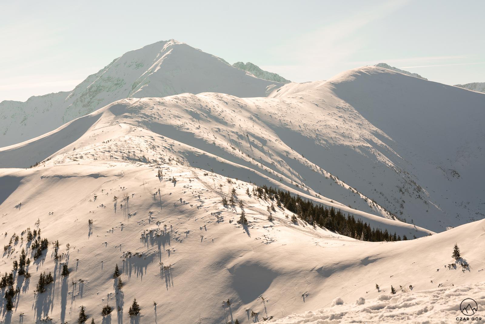 Tatry Zachodnie przykryte śniegiem