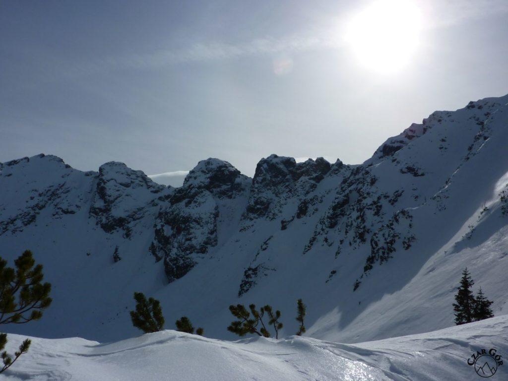 Wycieczka skitourowa na Łopatę. Na Łopacie, w stronę Kondratowego Wierchu
