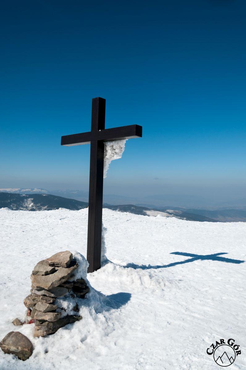 Krzyż na szczycie Pilska