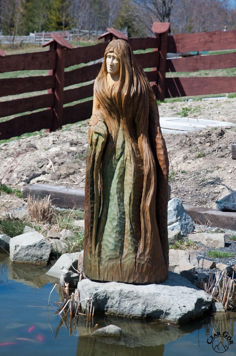 Figura w Ogrodzie Bajek