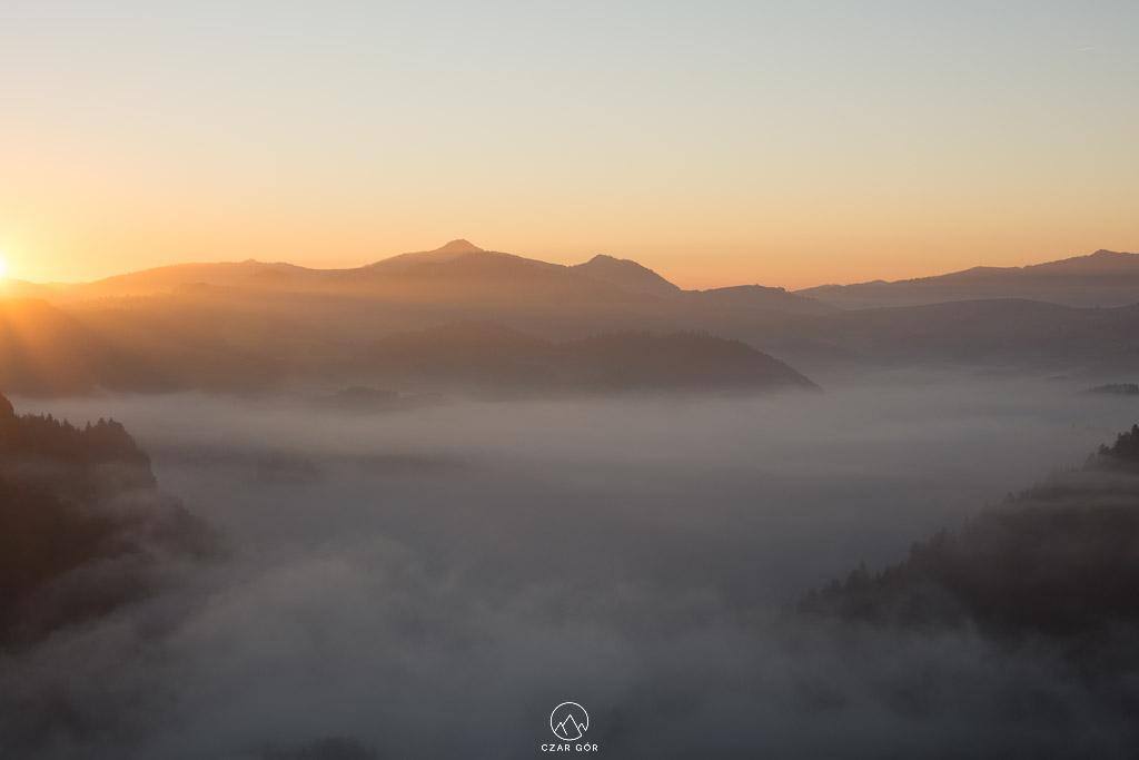 Wschód słońca z Sokolicy