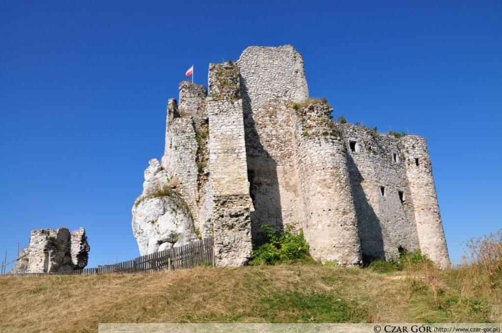 W stronę zamku w Mirowie
